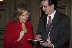 U.S. Trade Representative Susan Schwab and USCIB President Peter M. Robinson.