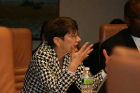 Ronnie Goldberg, USCIB's executive vice president for policy, makes a point at the February roundtable.