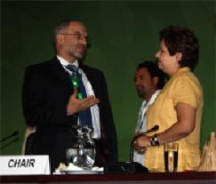Nick Campbell, chair of ICC's climate change task force, co-chairing a briefing in Cancun alongside Patricia Espinosa, the COP16 president and Mexican minister of foreign affairs.