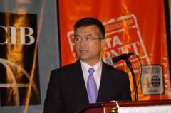 Commerce Secretary Gary Locke praised the Carnet program at USCIB's Annual Dinner.